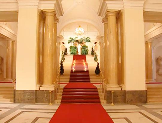 Приемы на высшем уровне во дворце