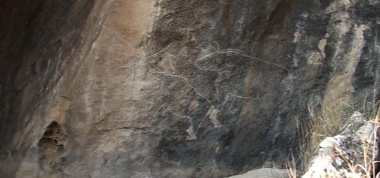 На стенах Гобустанских пещер огромное количество наскальных рисунков