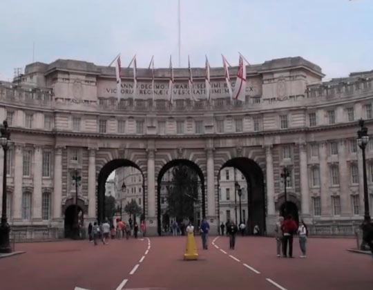 Букингемский дворец 01
