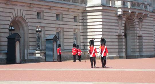 Букингемский дворец 13