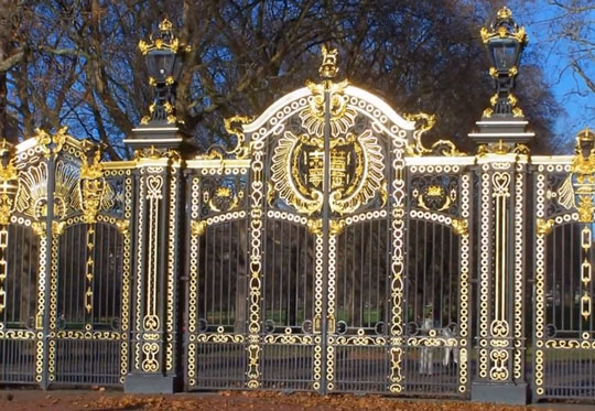 Ворота Букингемского дворца