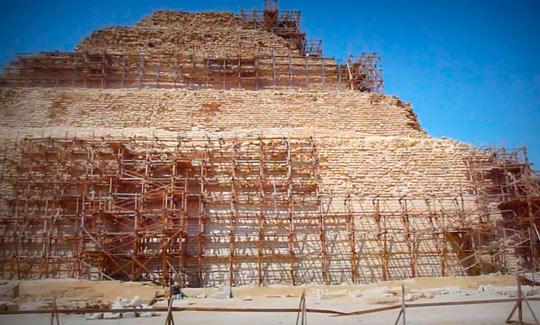 Ступенчатая пирамида 01