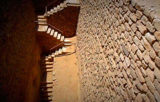 Ступенчатая пирамид  02