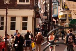 Узкие улочки Амстердама