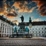 Знаменитый замок королевского двора (отзыв о замке Хофбург)