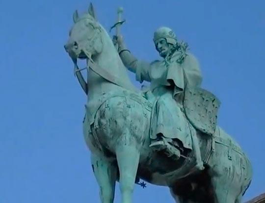 Статуя Людовика Святого