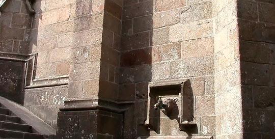 Замок Мон-Сен-Мишель — туристическая достопримечательность