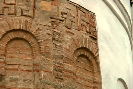 Кладка стен собора
