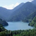Озеро Рица – место, где нервы отдыхают