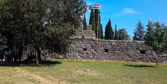 Пицундский храм 4