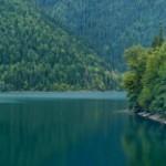 Неописуемая красота озера Рица