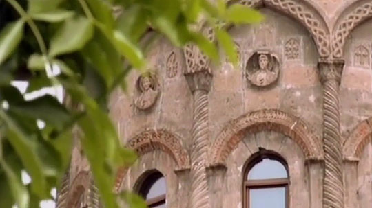 Стены собора расписаны талантливым художником