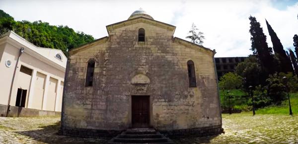 храм симона канонита в новом афоне