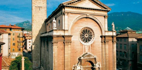 15-Церковь-Пресвятой-Богородицы-Квинтиллионов