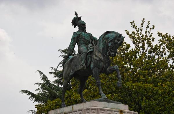 25-Памятник-Виктору-Эммануилу-II