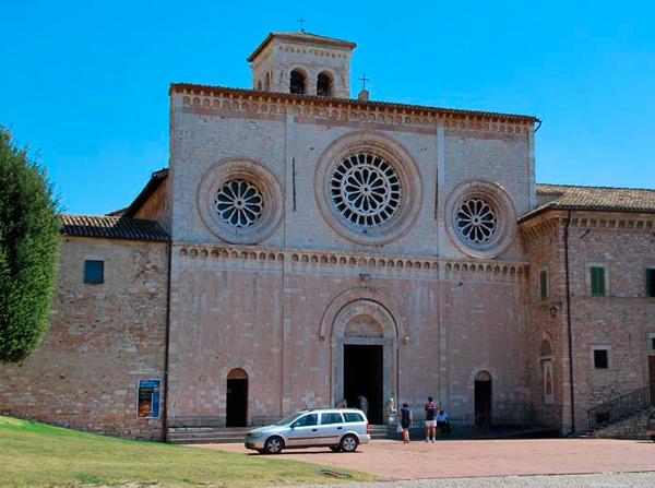 10Аббатская-церковь-Святого-Петра