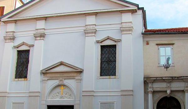24Мала-Католическая-церковь