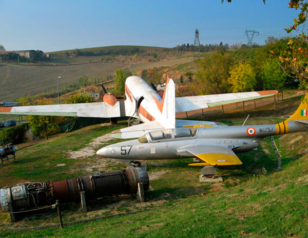 11-Theme-Park---Aviation-Museum