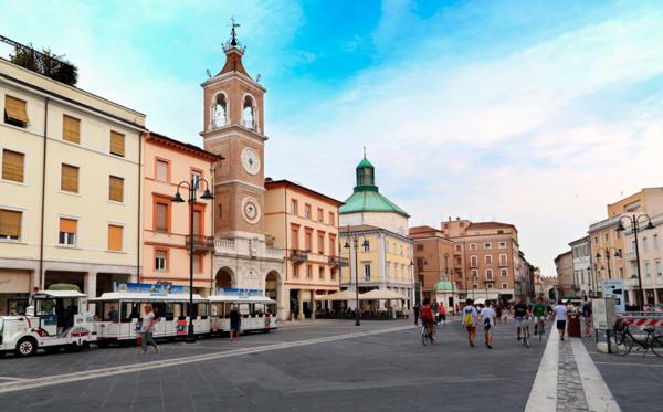 27-Piazza-Tre-Martiri