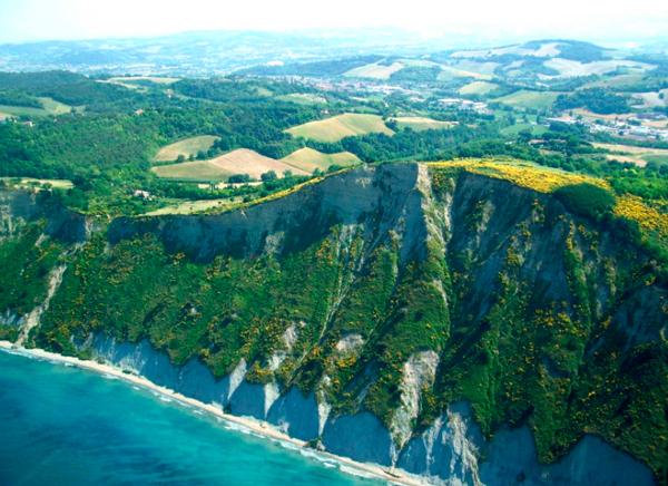 3-Природный-заповедник-Монте-Сан-Бартоло-(Parco-Naturale-Monte-San-Bartolo)