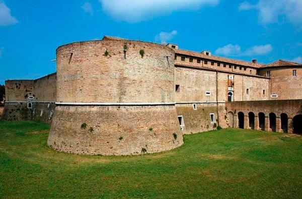 9-Rocca-Costanza