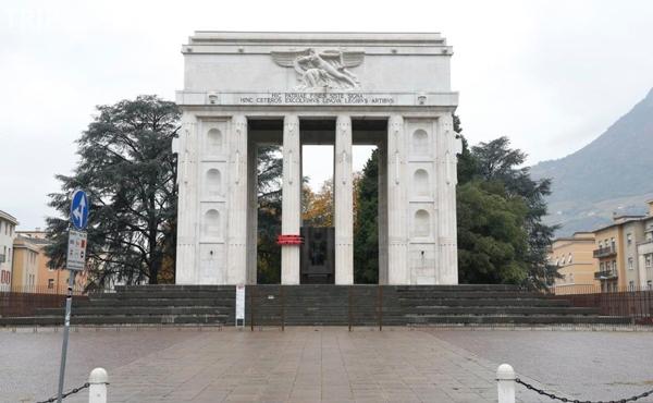 12-Монумент-Победы