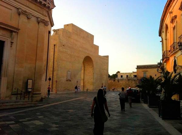 16-Porta-Napoli