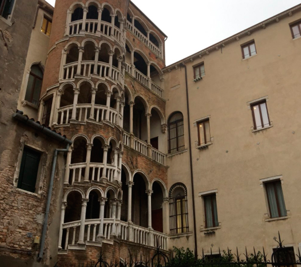 13-Дворец-Контарини-дель-Боволо