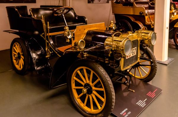18-Национальный-автомобильный-музей