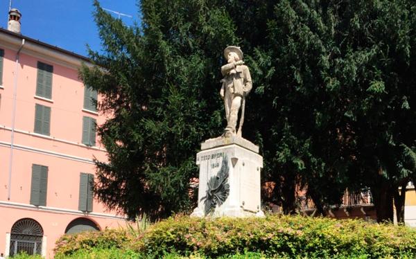 25-Памятник-Тито-Спери